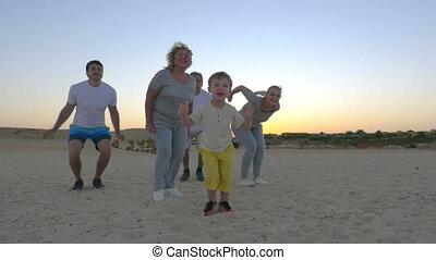 sprong, groot, gelukkige familie, kind
