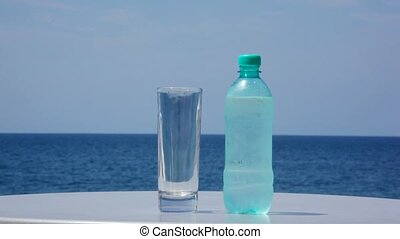 staand, achtergrond, waterglas, tafel, fles, koude, zee
