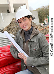 staand, helm, vrouw, bouwterrein, bouwsector, witte , veiligheid, ingenieur