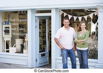 staand, organisch voedsel, paar, voorkant, het glimlachen, winkel