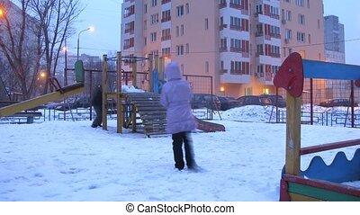 stad, jongen, toneelstuk, wrakkigheid, winter, speelplaats, tijd, meisje