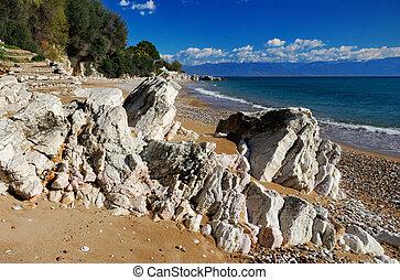 strand, middellandse zee, rotsachtig
