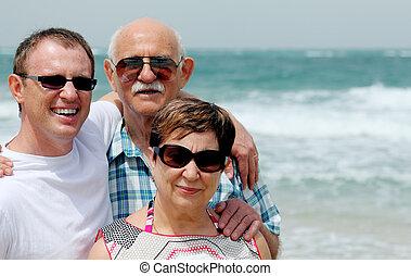 strand, volwassene, wandelende, zoon, ouders, zijn