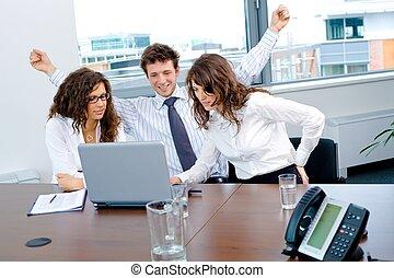 succesvolle , vrolijke , handel team