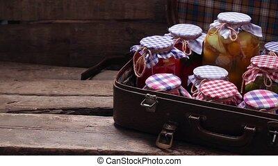 suitcase., oud, bewaring