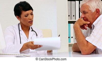 t, aarzelend, arts, patiënt, vragen