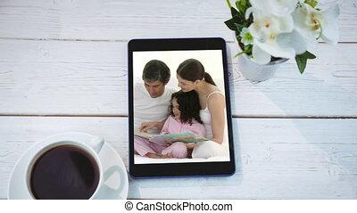 tablet, digitale , scherm, animatie, kaukasisch, het tonen, gezin