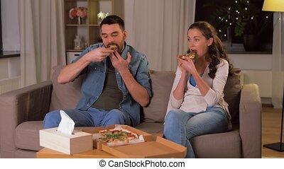 takeaway, paar, thuis, eetpizza, vrolijke
