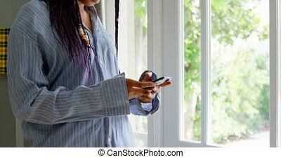 telefoon, black , staand, thuis, bovenkant, beweeglijk, comfortabel, aanzicht, klesten, 4k, vrouw, jonge