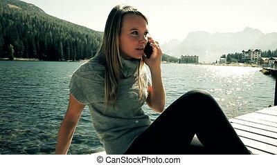 telefoon, boze vrouw, blonde