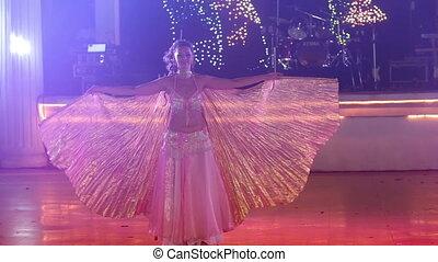 theatraal, dancing, jonge, golf, huwelijk partij, meisje, vleugels
