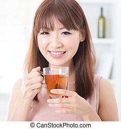 thee, meisje, het genieten van, aziaat