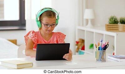 thuis, meisje, headphones, computer, tablet