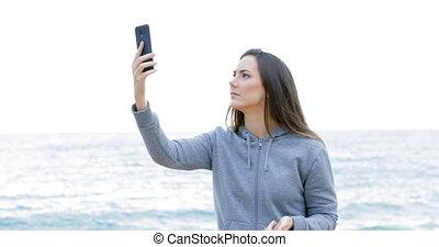 tiener, telefoon, strand, grondig, dekking