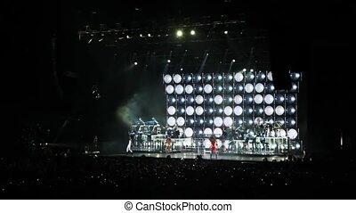 toeschouwers, concert, dancing, zetten, scène, zangers, zaal, blik