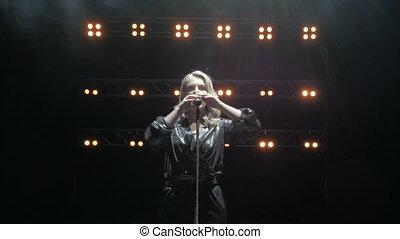 toneel, lied, rook, mooi, lights., zingt, jonge, zinger