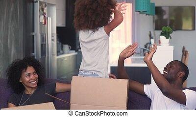 toneelstuk, dochter, gezin, woning, vieren, verhuizing, afrikaan, nieuw