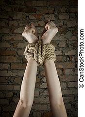 touw op, gebonden, handen