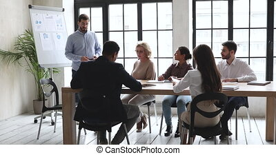 trainer, zakelijk, bekwaam, collega's., marketing, het voorstellen, mannelijke , strategie