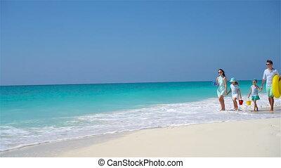 tropische , vier, wit strand, gezin