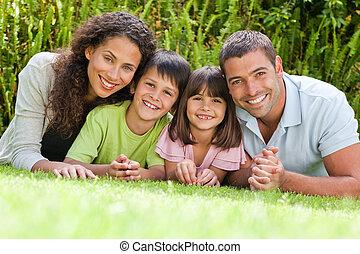 tuin, dons, het liggen, gezin, vrolijke