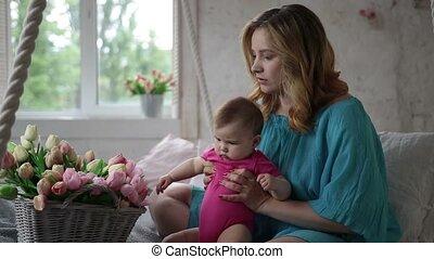 tulp, baby meisje, bloemen, schattige, spelend