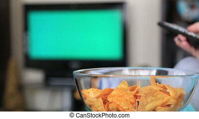 tv, vrouw, chromakey, schouwend