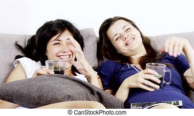 tv, vrouwen, schouwend, lachen, vrolijke