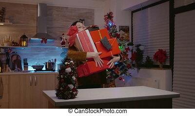 verdragend, cadeau, festivity, kerstmis, voorbereidingen, vrouw, dozen
