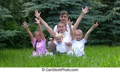 verheven, zit, park, gezin, handen