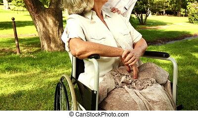 verpleegkundige, klesten, vrouw, wheelchair