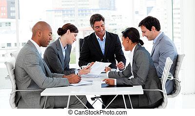 verscheidenheid, zakelijk, het tonen, groep, ethnische , vergadering