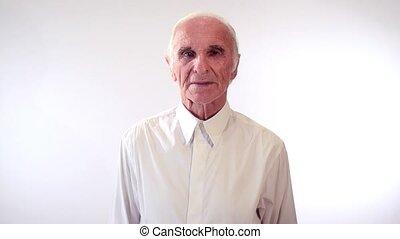 verticaal, oudere man