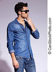 vervelend, mannelijke , model, jonge, mooi, hemd, jeans