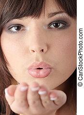 verzending, vrouw, kus