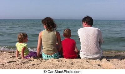 vier, achter, strand, gezin, zittende