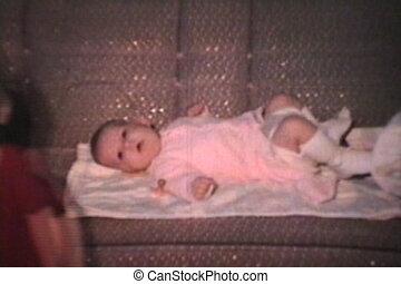 vintage), het leggen, (1968, baby, sofa