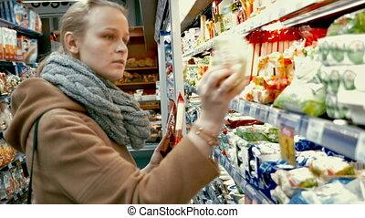 voedingsmiddelen, kruidenierswinkel, vrouw, kies