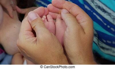 voetjes, baby., pasgeboren, minuscule baby, mother.