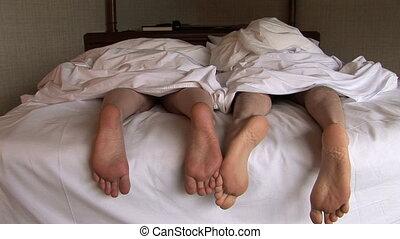 voetjes, paar, bed