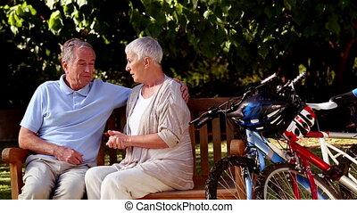 volwassen paar, samen, klesten