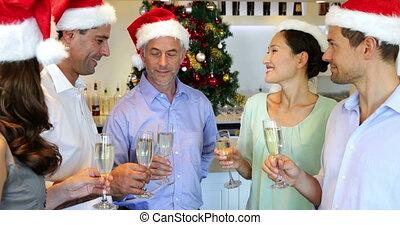 vrienden, kerstmis, vieren, vrolijke