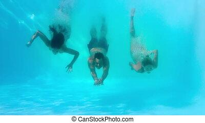 vrienden, onderwater, pool, zwemmen