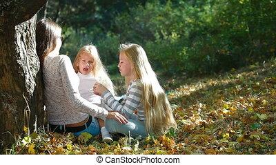 vrolijk, park, jonge familie