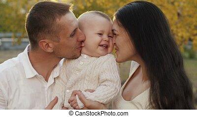 vrolijke , kind, gezin, natuur