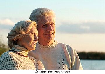 vrolijke , oud, paar