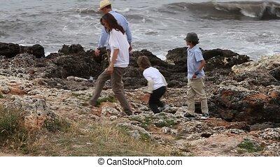 vrolijke , strand, gezin, zittende