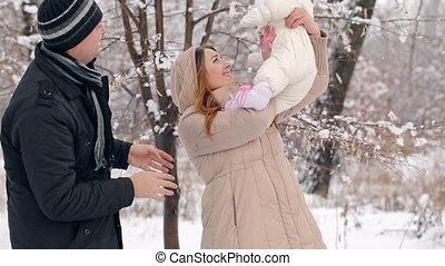 vrolijke , winter, gezin, jonge