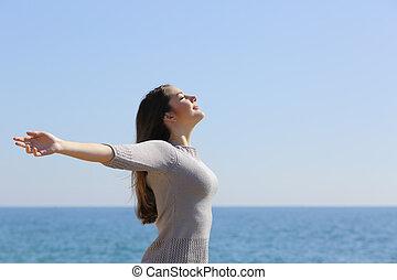 vrouw, armen, diep, lucht, ademhaling, fris, strand, verheffing, vrolijke