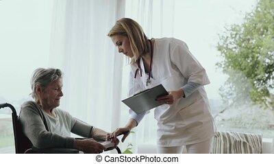 vrouw, bezoeker, visit., gezondheid, thuis, gedurende, senior